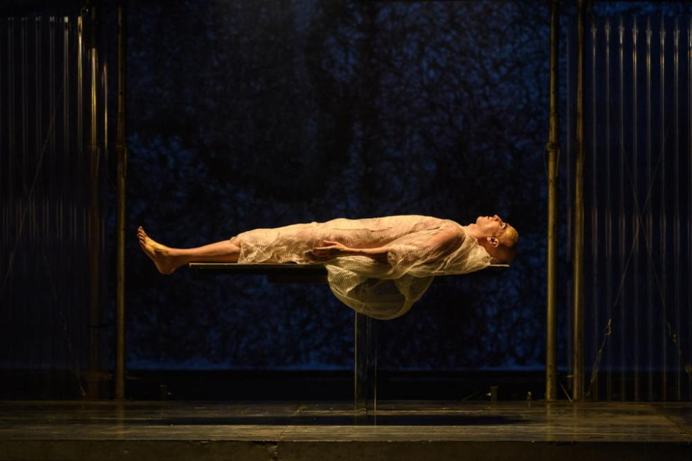 ENO-Akhnaten-2019-Anthony-Roth-Costanzo-©-Jane-Hobson-12-1024x682